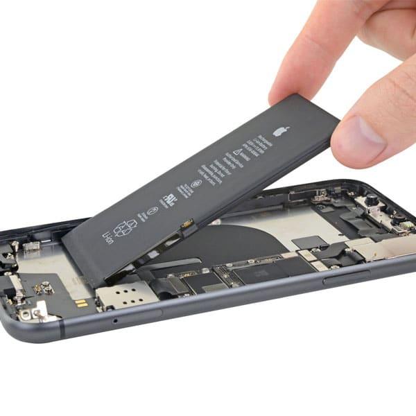 باتری iPhone 11